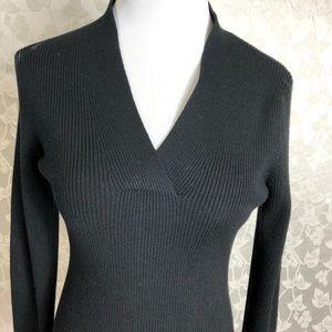 TAHARI Blouse Size Medium, Long Sleeves